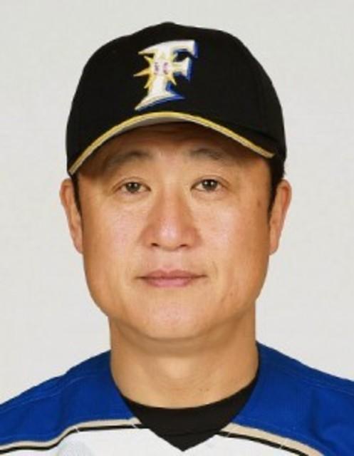 日本ハム・阿井ヘッドコーチが辞...