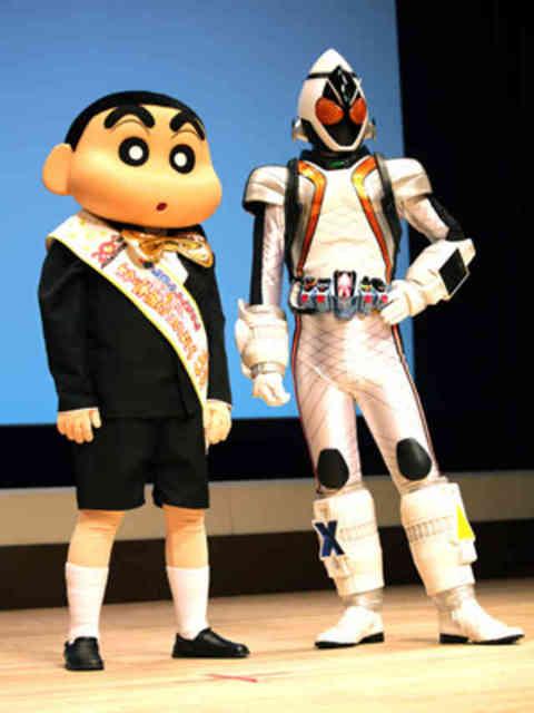 クレヨンしんちゃんと仮面ライダーフォーゼが東宝東映の二大映画会社の