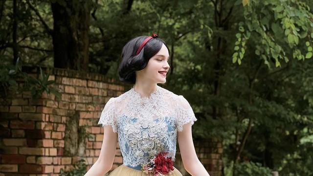 026c2b489b12c ディズニー公認ウエディングドレス、第3弾は「ティンカー・ベル」「白雪姫」